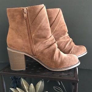 Tan faux-suede block heel zip up booties size 8